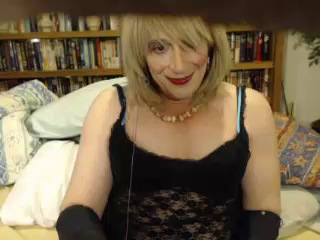 Image xdress_me_please ts 04-12-2016 Chaturbate