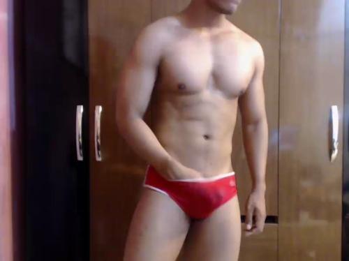 Image emirop20  [09-06-2017] Topless
