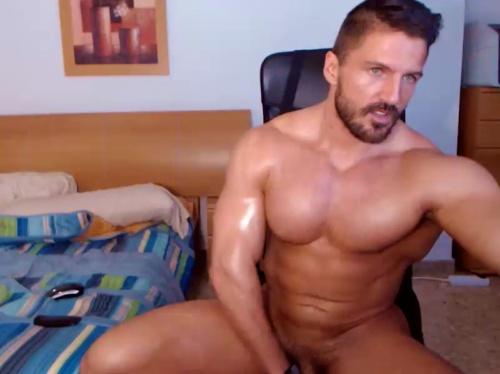 Image XavierHulk  [08-07-2017] Topless