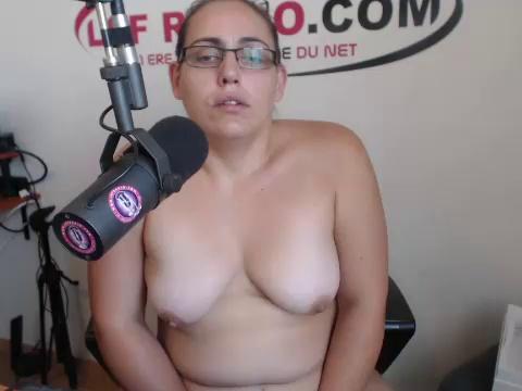 Image elisaradio  [15-09-2017] Naked