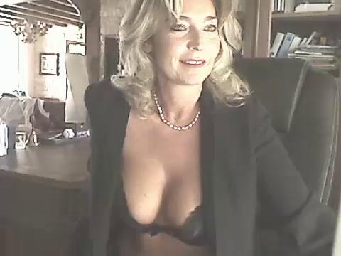 Image glamchic10  [23-09-2017] Topless