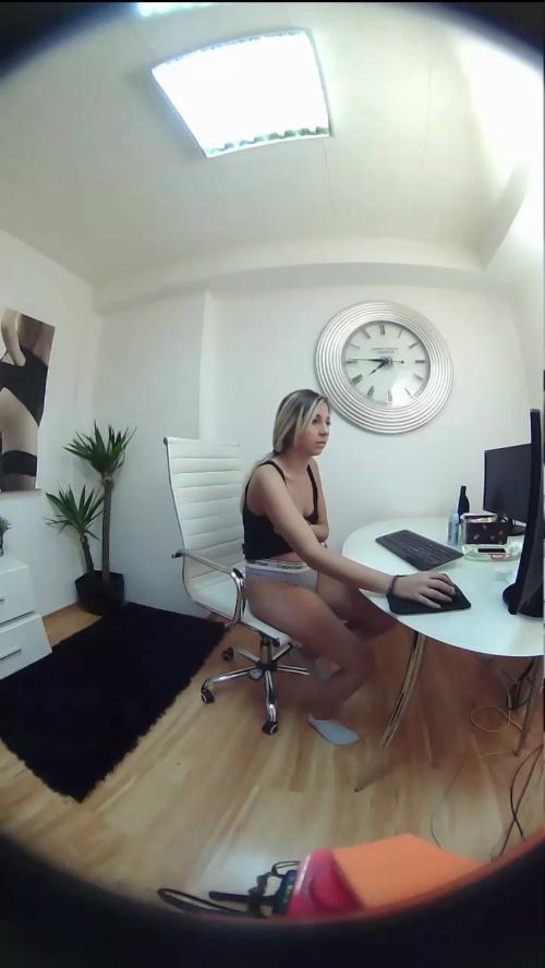 Image Candy_Eyes  [08-10-2017] Webcam