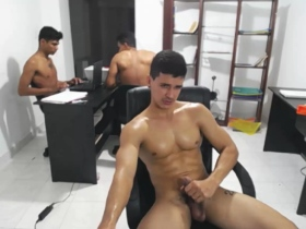 a_very_hot_job 16/10/2017 Chaturbate