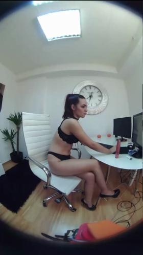 Image aylenx  [25-10-2017] Topless