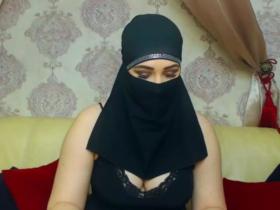 Image SelmaAzmani  [30-12-2017] Topless