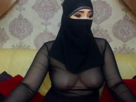 Image SelmaAzmani  [04-03-2018] Topless