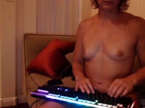 lailagetsnaked ts 04-05-2018 Chaturbate