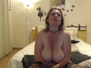 Image Cheyenne75  [04-05-2018] Topless