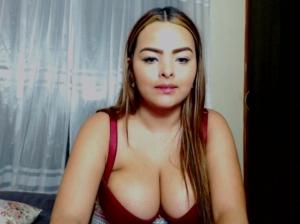 Image juliannab3nz  [25-07-2018] Topless
