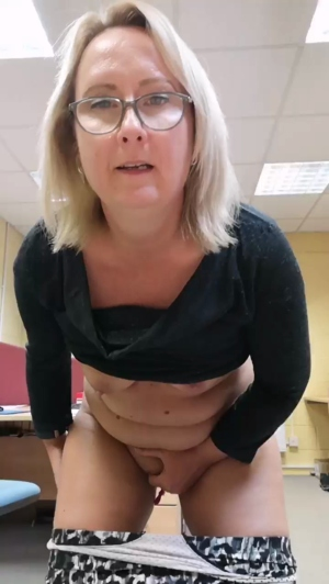 Image xxxbelle69xx  [04-10-2019] Video