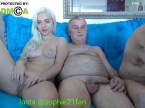 Image sophiehot22  [09-10-2019] Topless