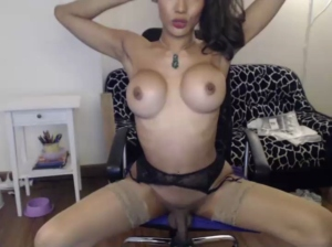 Fishtgirlworld Chaturbate [04-04-2020]